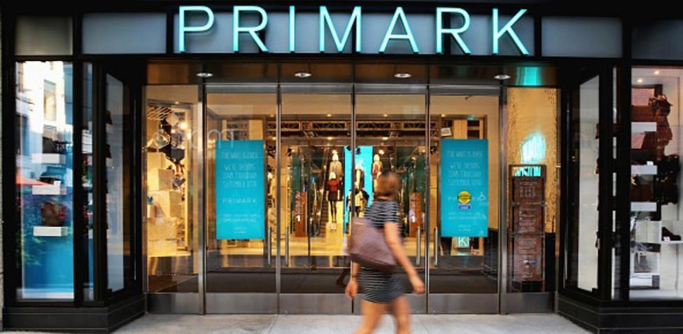 Primark apuesta por el estampado: 10 prendas premium a precio de saldo