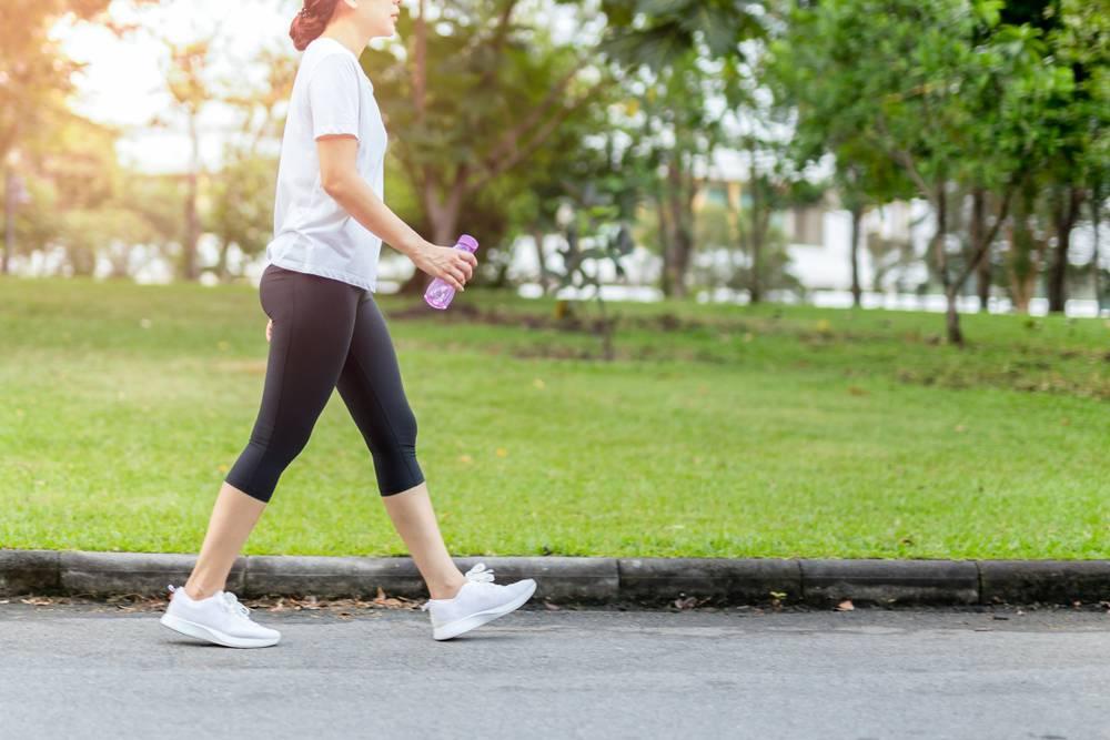 El secreto para adelgazar caminando menos de una hora al día