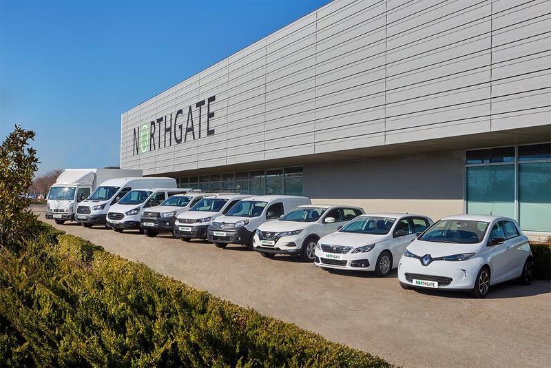 La venta de coches nuevos cayó un 16% en septiembre, mientras que el renting aumentó un 34%