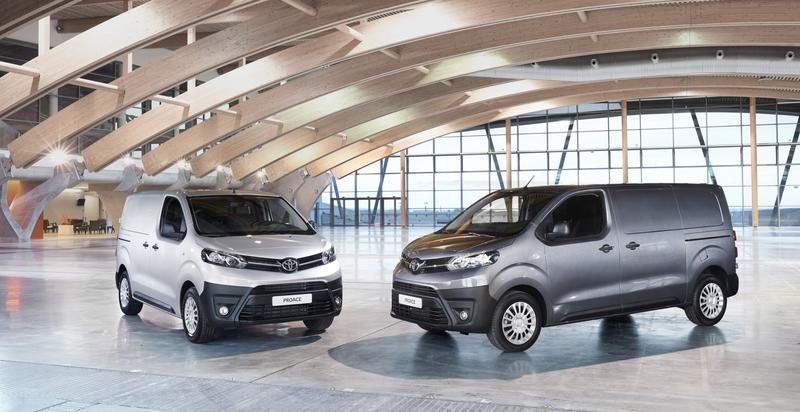 Toyota España lanza la gama 2022 de Proace y Proace Electric