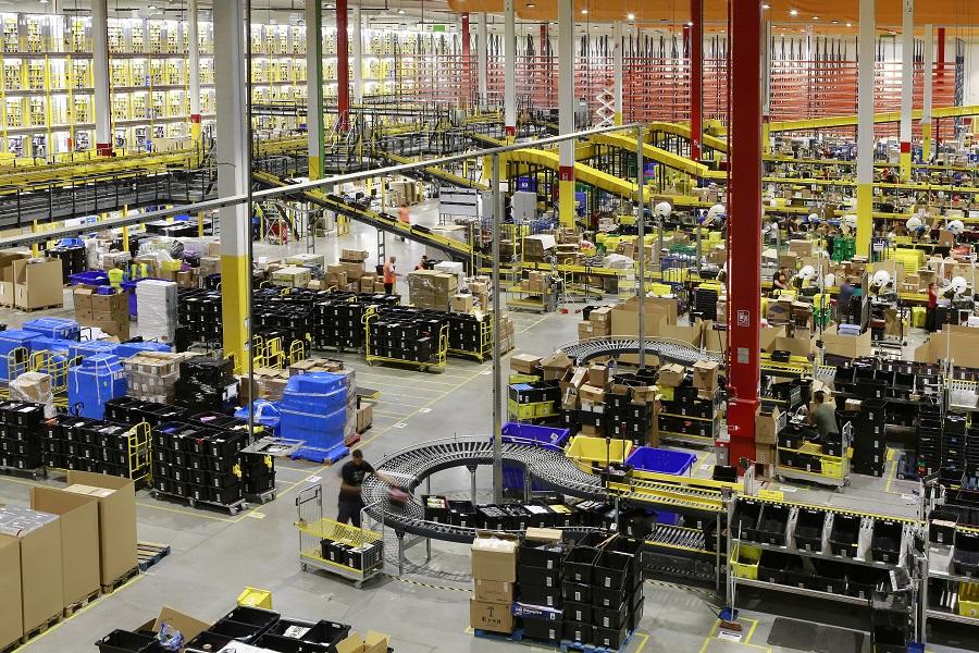La logística, clave para la expansión de Amazon por España