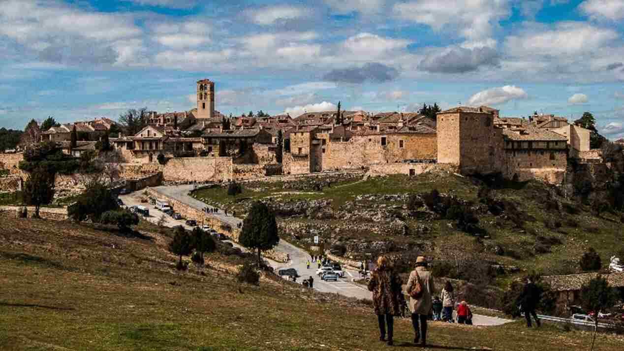 Pueblos de Castilla y León preciosos a un paso de Madrid
